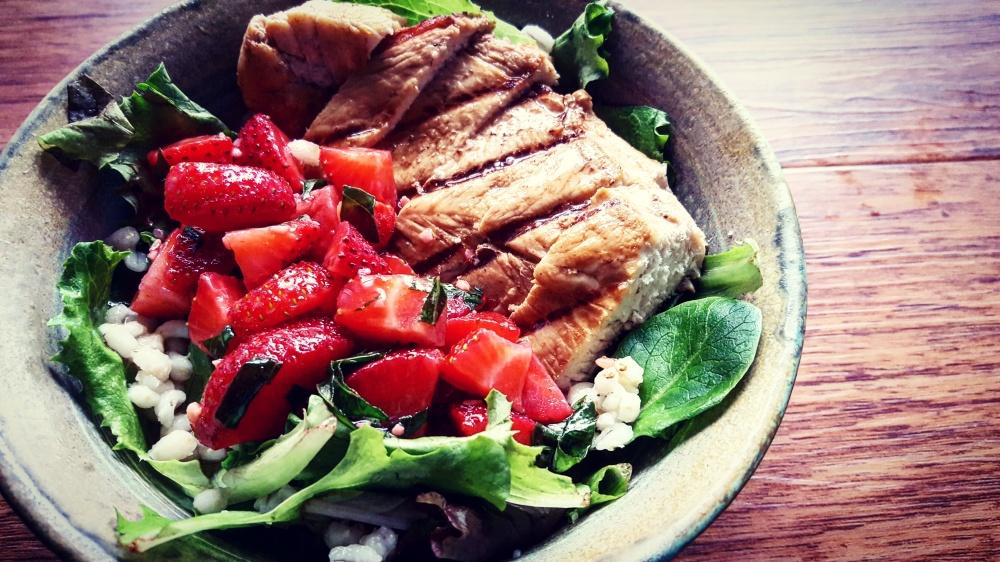 Strawberry Bruschetta Grilled Chicken Salad2.jpg